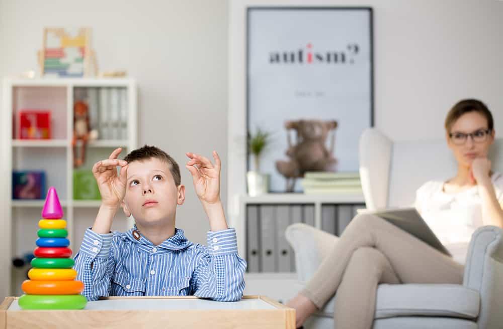 مشاوره خانواده-اوتیسم چیست؟